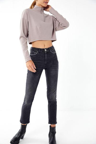 BDG Mid-Rise Slim Straight Jean – Black