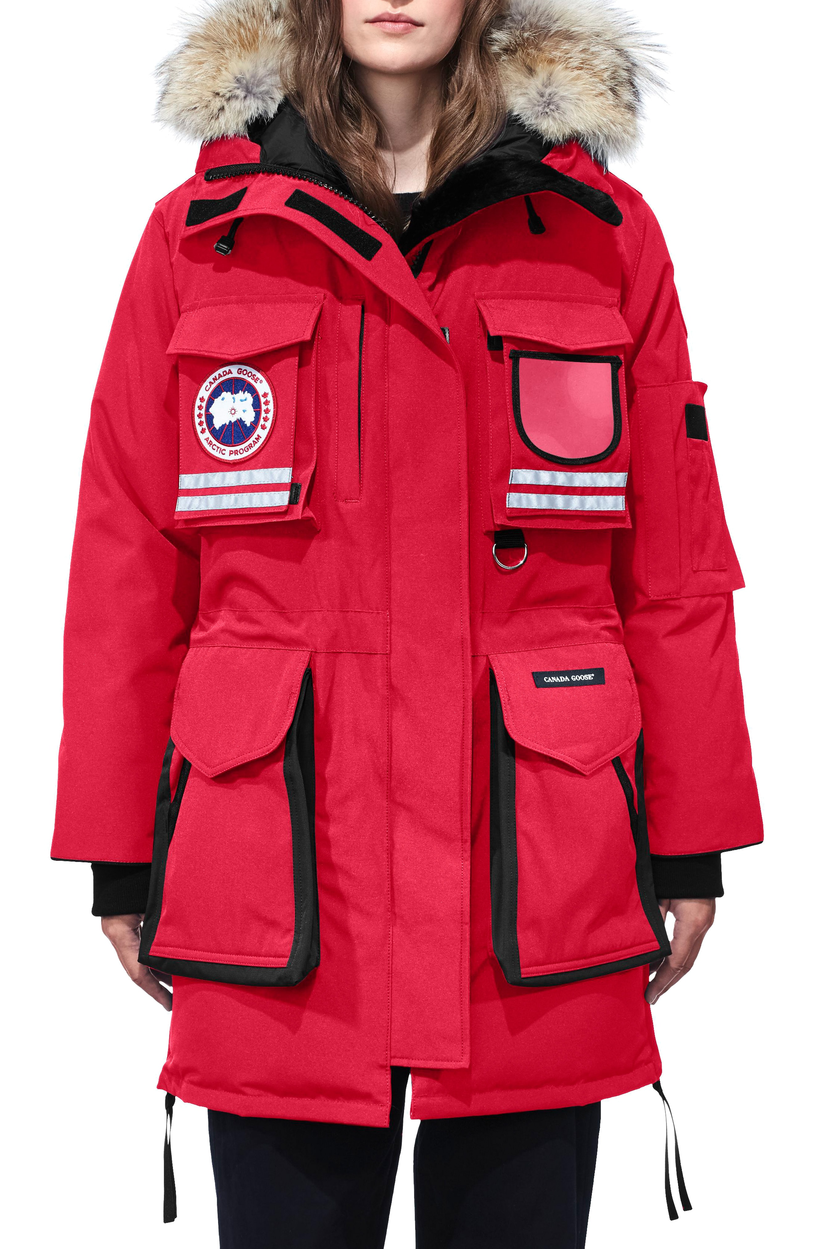 Canada Goose Snow Mantra Extreme Weather 675-Fill Power Down Arctic Tech Parka with Genuine Coyote Fur Trim