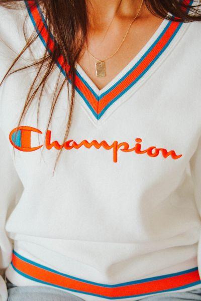Champion & UO Fleece V-Neck Sweatshirt
