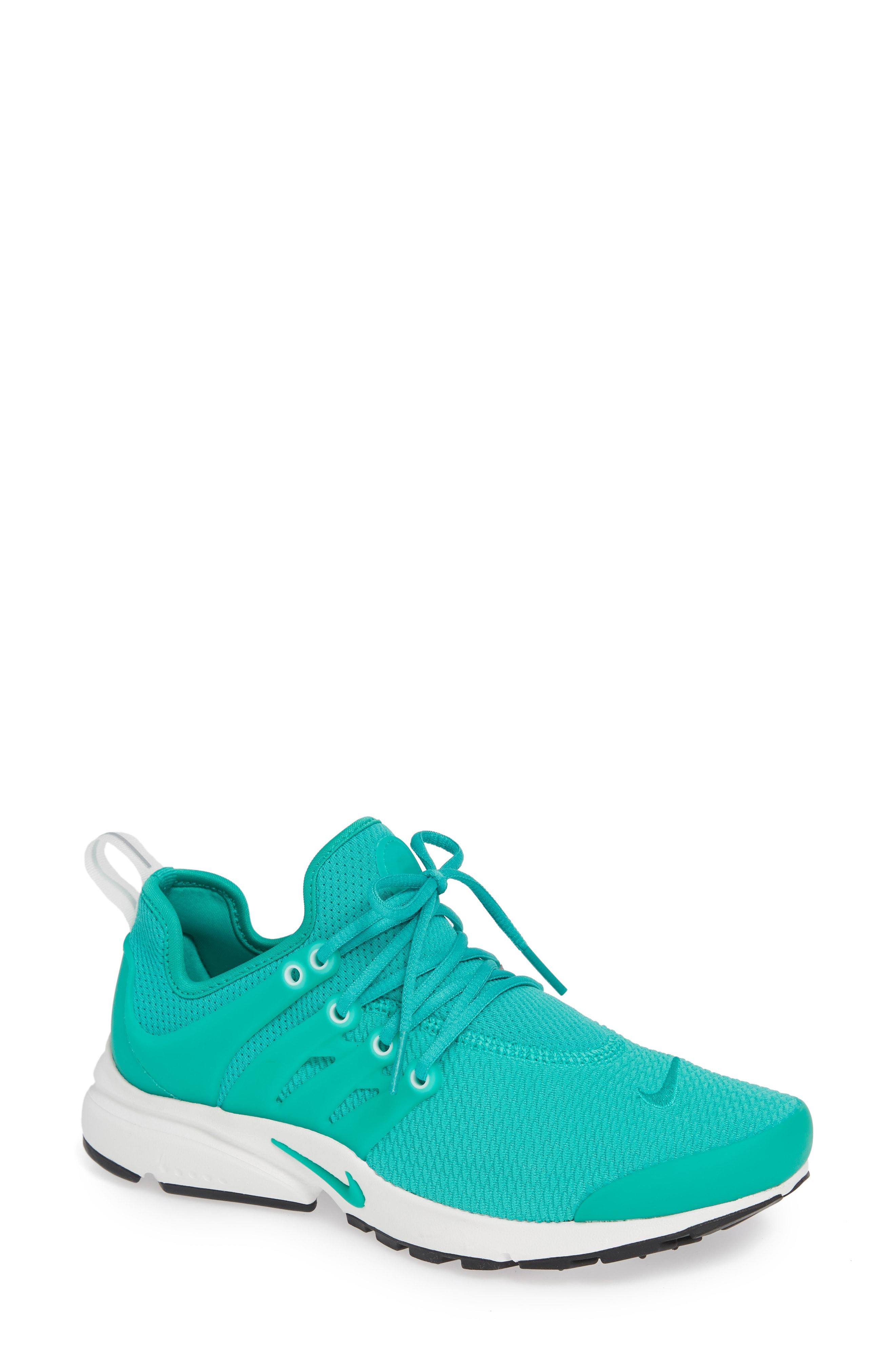 Nike Air Presto Sneaker (Women)