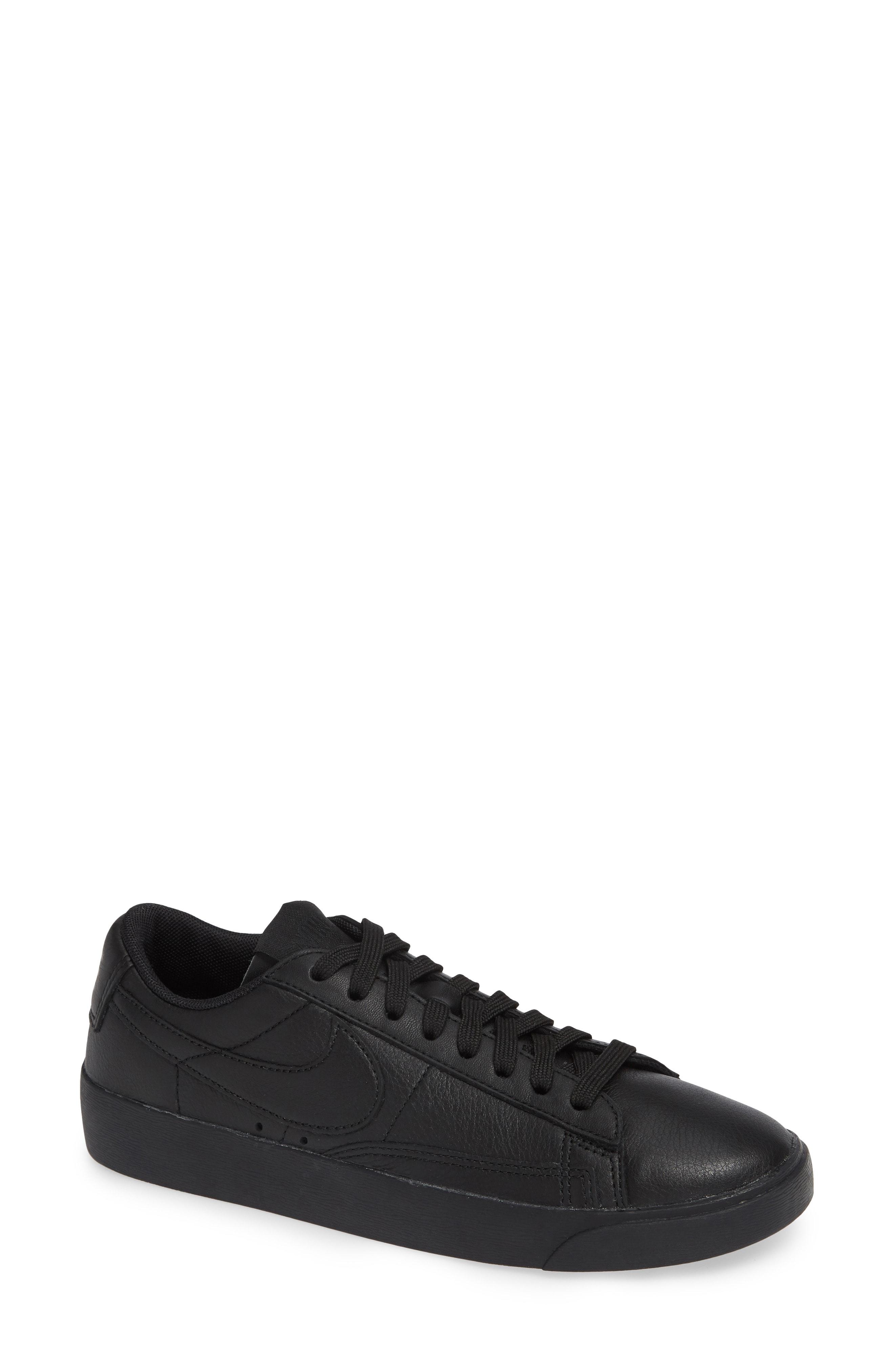 Nike Blazer Low SE Sneaker (Women)