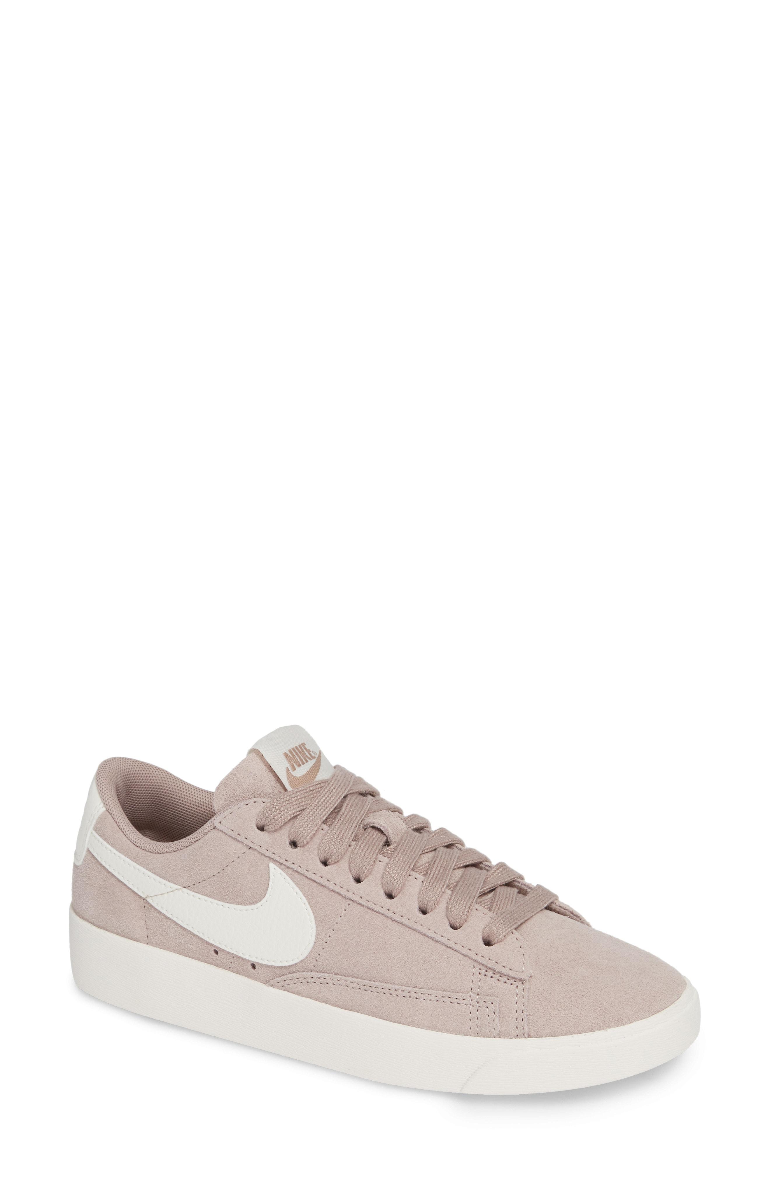 Nike Blazer Low Sneaker (Women)