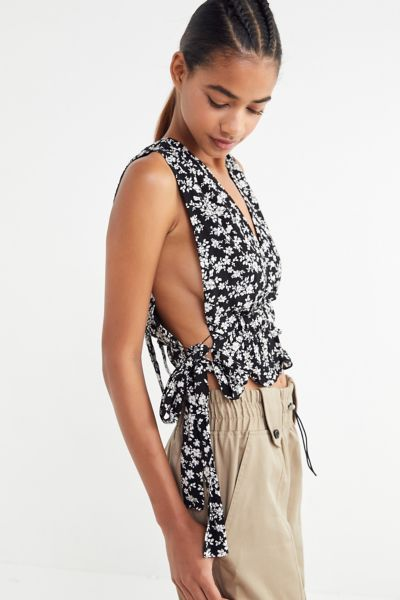 The East Order Elsa Plunging Cropped Top