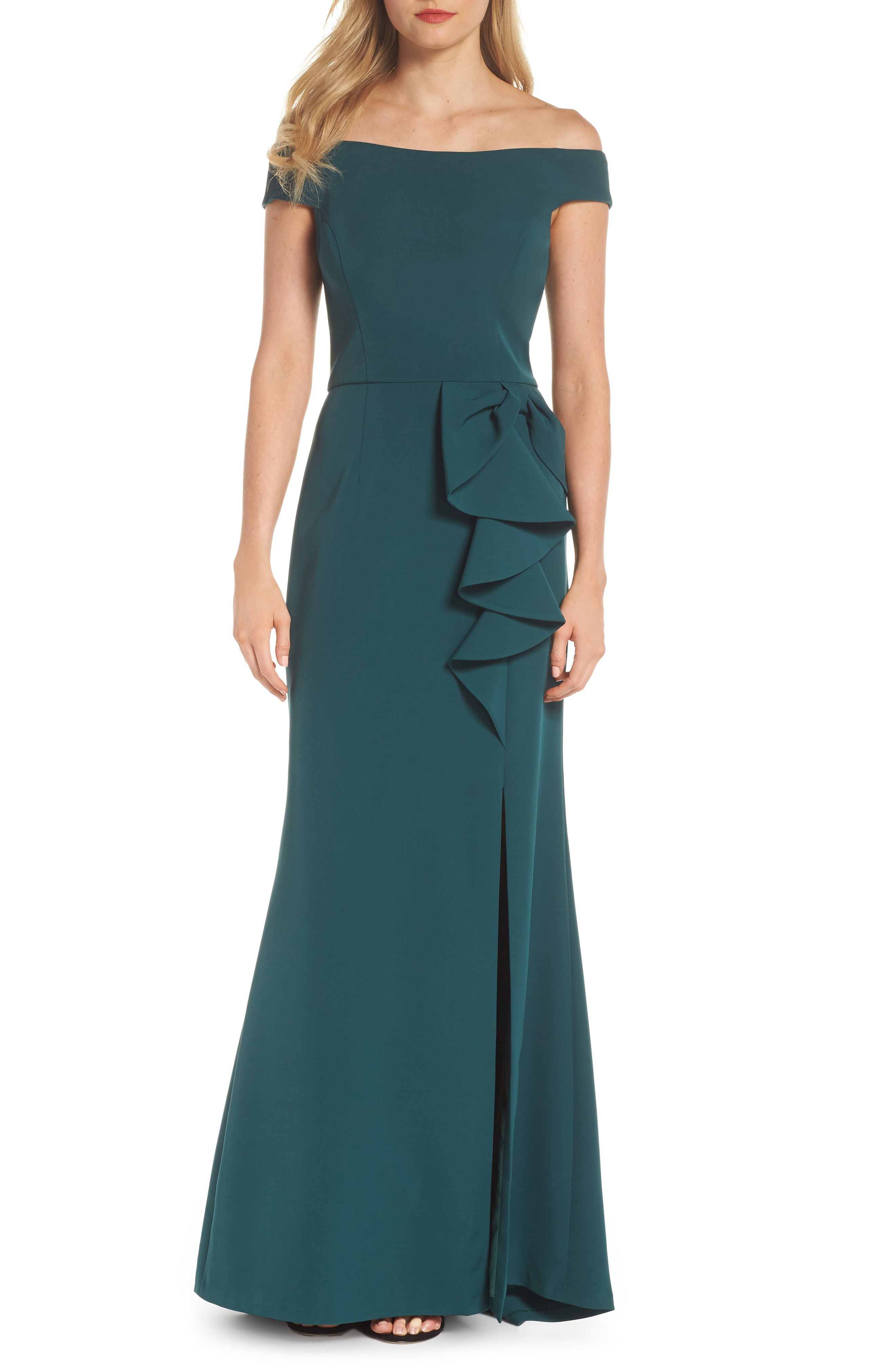 Vince Camuto Off the Shoulder Laguna Crepe Gown